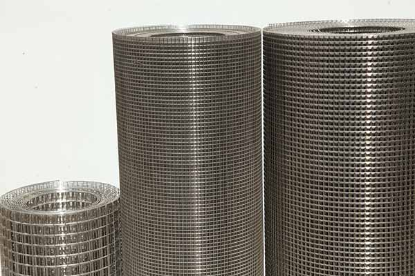 How to improve the weld quality of stainless steel wire mesh.jpg